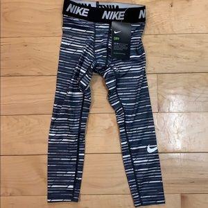 Boys Nike Dri-fit Compression 4 XS
